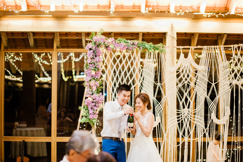 kuala-lumpur-singapore-candid-actual-day-wedding-janda-baik-enderong-garden-wedding-bohemian-macrame-arch