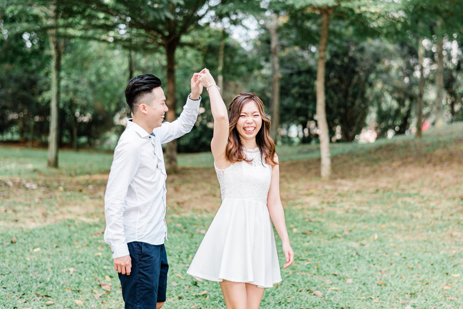 casual-pre-wedding-engagement-lifestyle-pet-golden-retriever-desa-park-city-kuala-lumpur